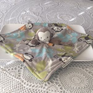 Blankets &Beyond Baby pacifiers holder